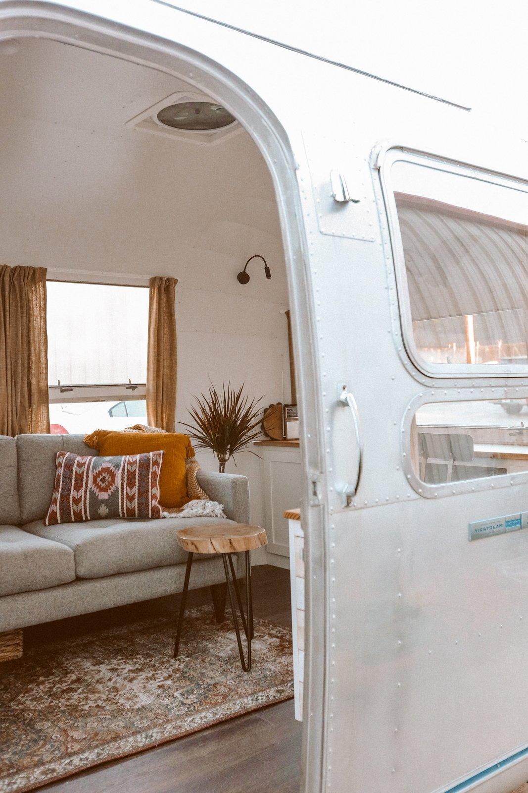 Sara Airstream Sovereign living area