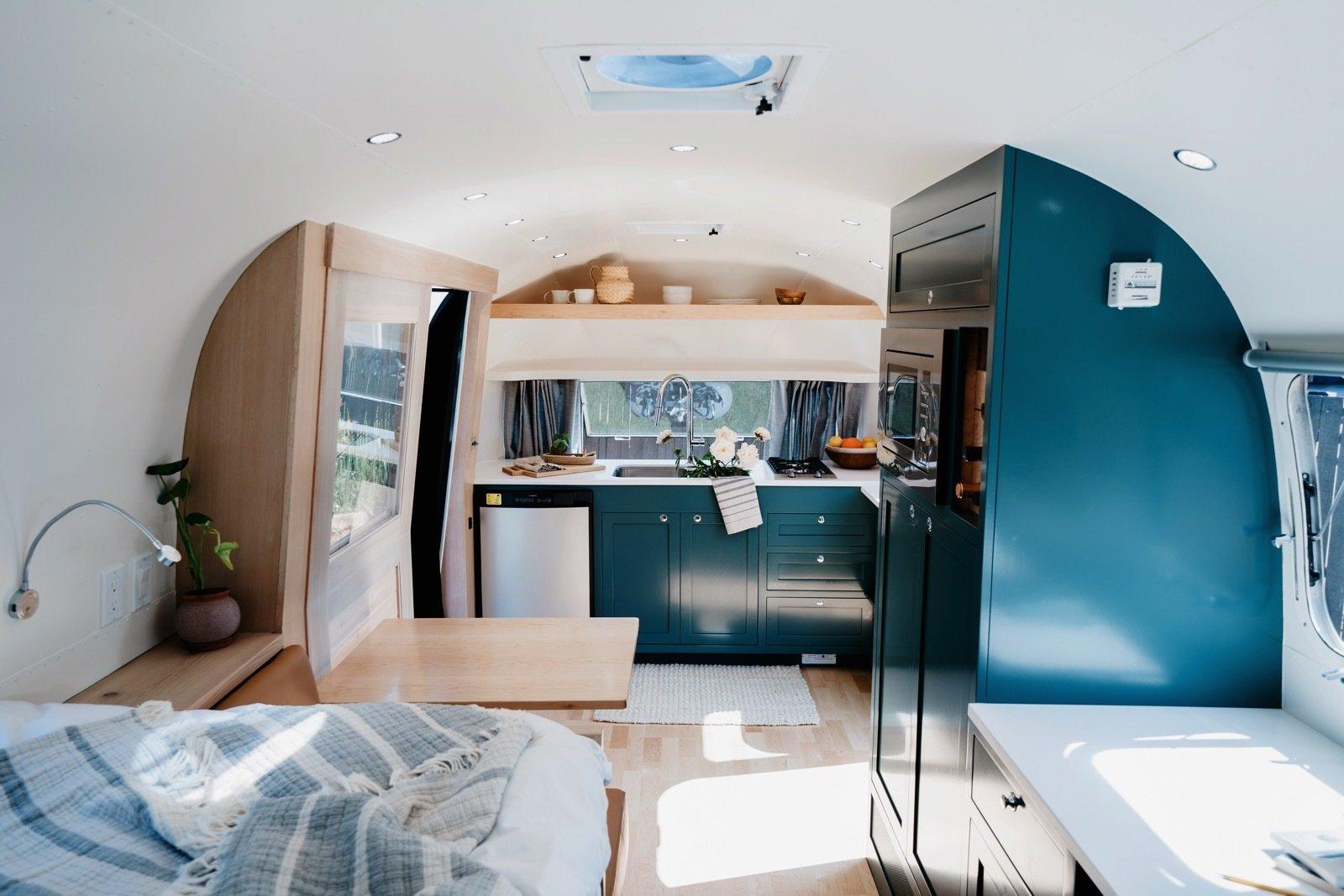 Alice Airstream Tradewind kitchen