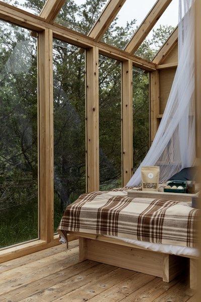 爱德华床和早餐客舱露营者提供早餐。