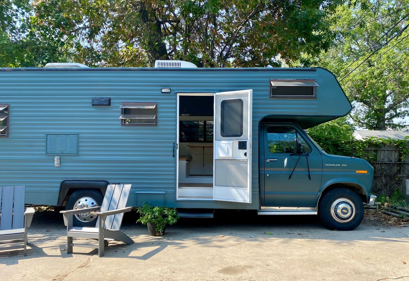 A creative couple combine their talents to give a camper a retro-inspired revamp.