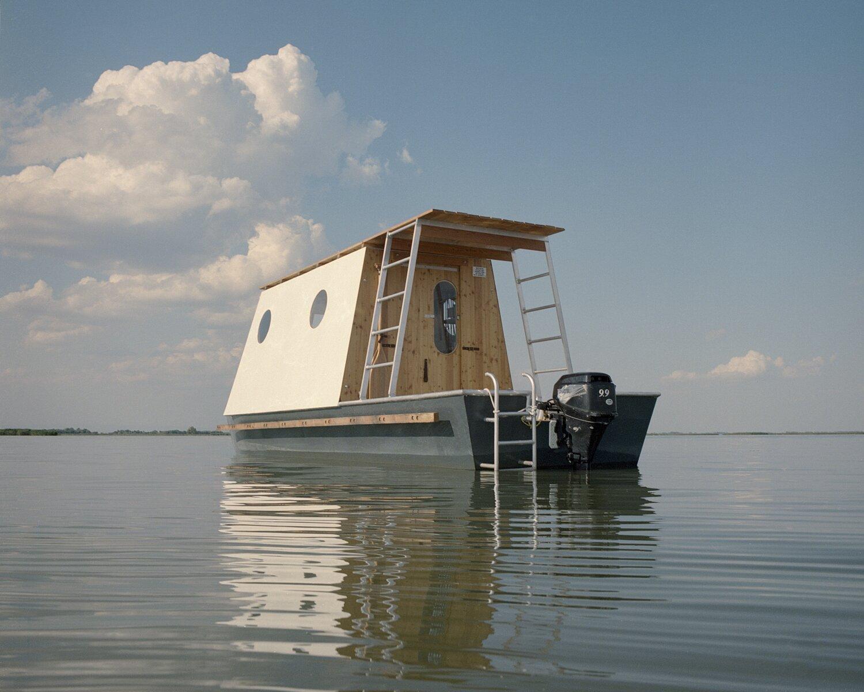 Exterior of Sneci Houseboat on Lake Tisza