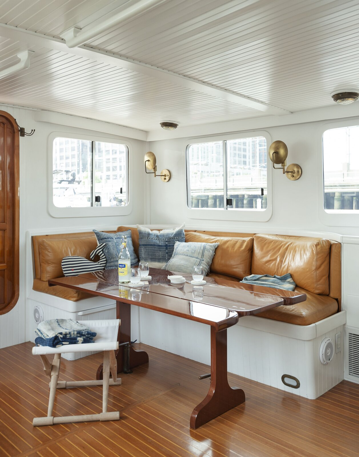 Lucy the Tugboat dining area
