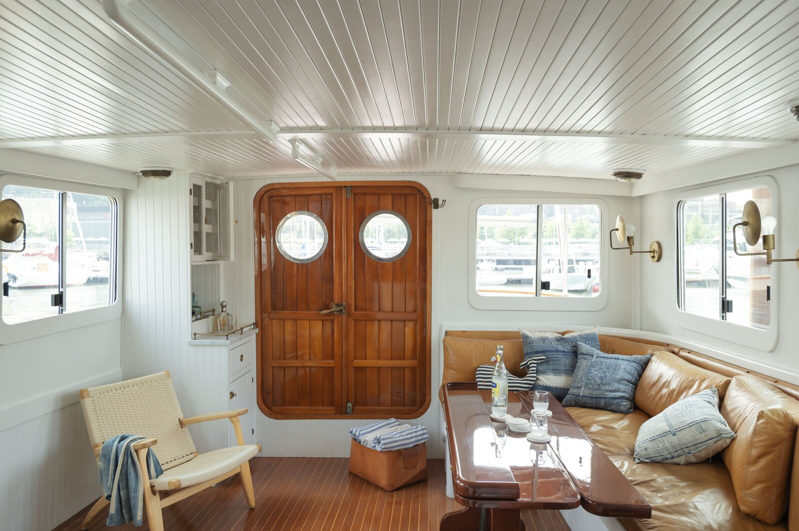 Lucy the Tugboat living area