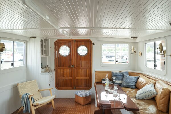 The husband-and-wife duo gave the 500-square-foot space a complete overhaul, from rewiring electricity to refinishing the wood flooring.