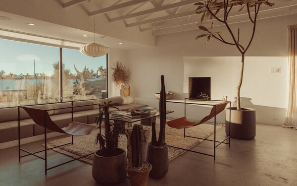 Perhaps the ultimate Airbnb, Le Chacuel in Yucca Valley is a minimalist retreat recently renovated by its design-minded owners.
