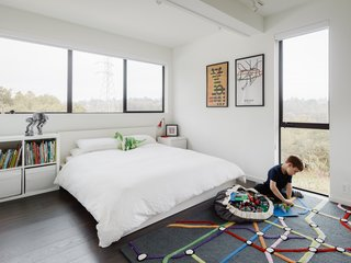 Modern and simple bedroom for the kids.