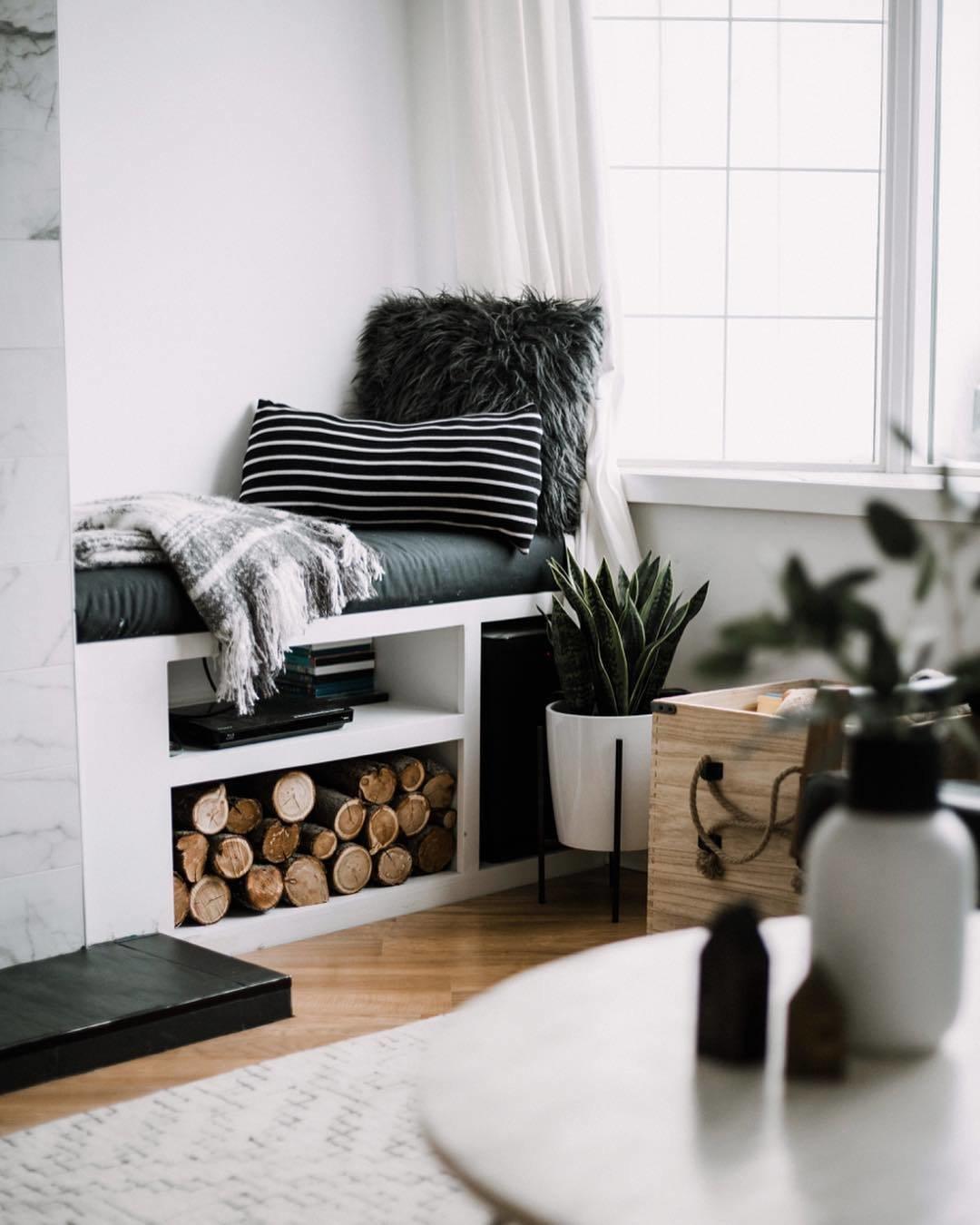 Lindi Vanderschaaf renovated living room