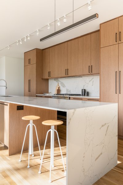 Guest House wood and marble kitchen