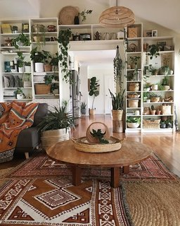 Jaye Workman creates a rustic space with vintage finds.