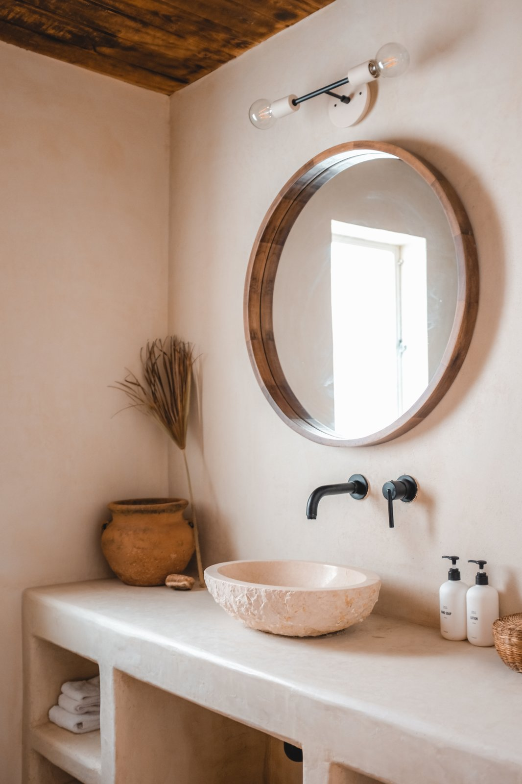 The Posada Sara and Rich Combs bathroom