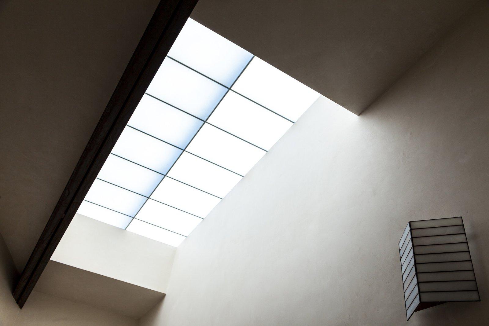 Bath Room Bathroom Skylight  Crossing Wall House