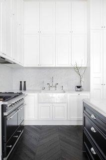 Modern Parisian-style kitchen