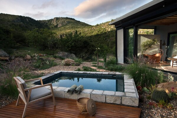 Best 60 Modern Outdoor Small Pools Tubs Showers Design Photos And Dwell