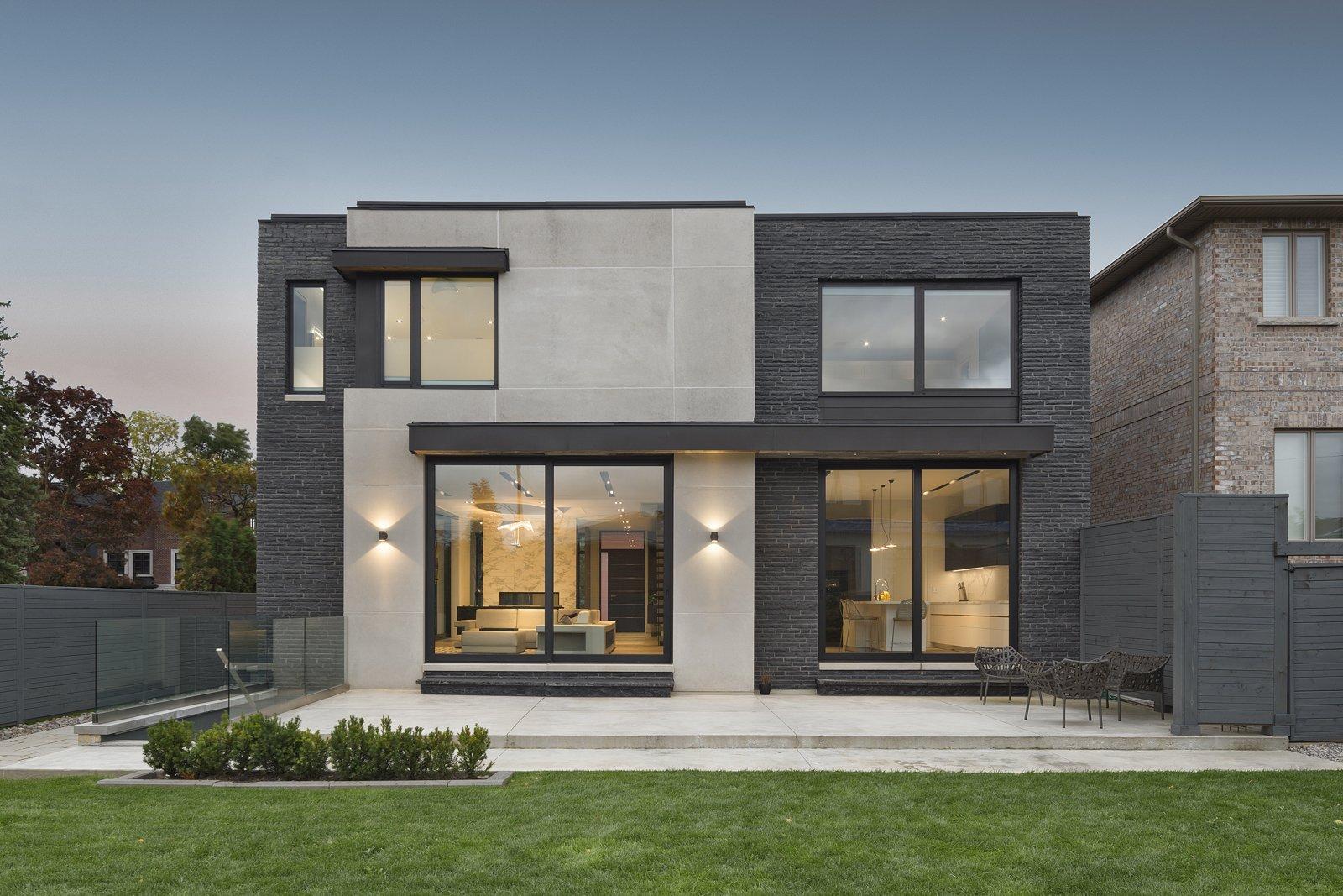 Outdoor and Back Yard Rear Facade & Backyard  IN House