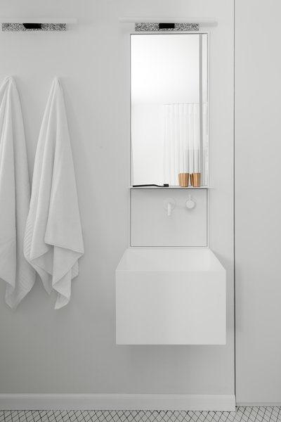 En-suit classic-European espired bathroom