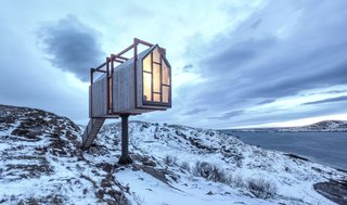 Weary city dwellers can find serenity in this array of cabins on the Norwegian archipelago of Fleinvær, where the Northern Lights make regular appearances.