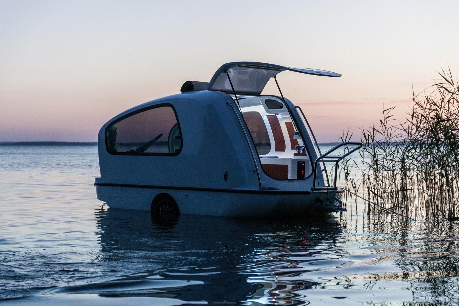 Sealander floating camper exterior
