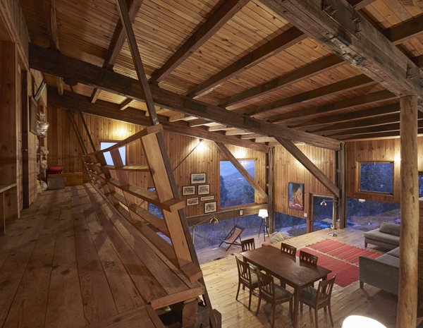The entire home is supported by the robust truss frames.