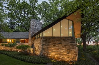A Frank Lloyd Wright Home With Unusual Materials Hits the Market at $2.75M