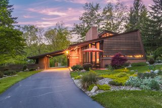 In Michigan This Little Known Frank Lloyd Wright Home Nestled On 10 Acres Had