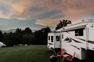 """Opposing slides first drew the couple to the 2004 Keystone Everest. """"We also knew we didn't want a bunkhouse or a rear kitchen, as we felt it was wasted space, too large, and too heavy for us,"""" explains Lauren."""
