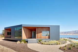The Goto House is sheathed in heavy-gauge steel cladding to protect against the elements and temperature fluctuations.