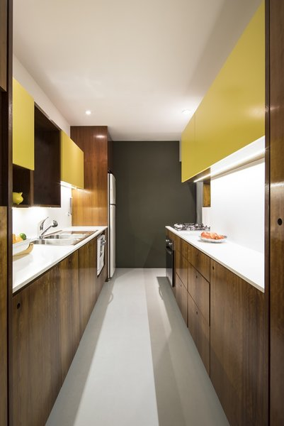 Best 2 Modern Kitchen Laminate Floors Design Photos And Ideas - Dwell