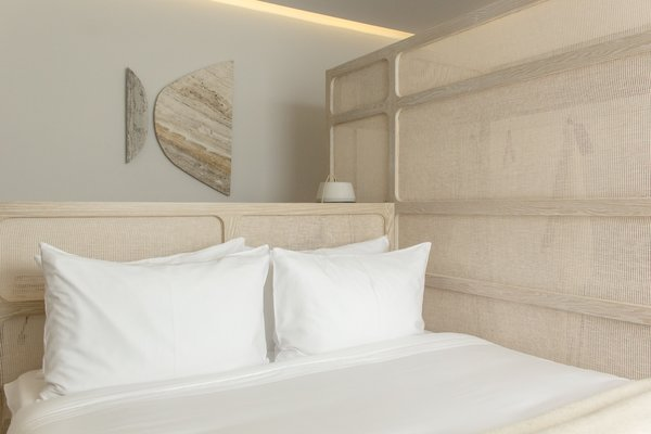 Charmant All Rooms Feature Automated Lighting That Can Be Controlled Using The  Hotelu0027s In House App