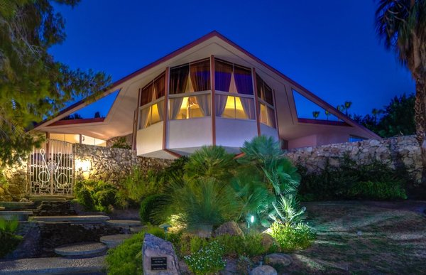Snag the Elvis Honeymoon Hideaway For the Reduced Price of $2.7M