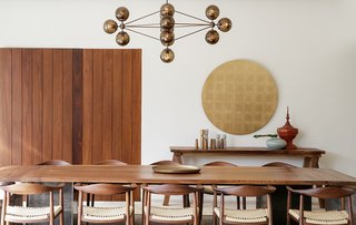 The interiors were dressed in furnishings from MUMO and Artenluz lighting.
