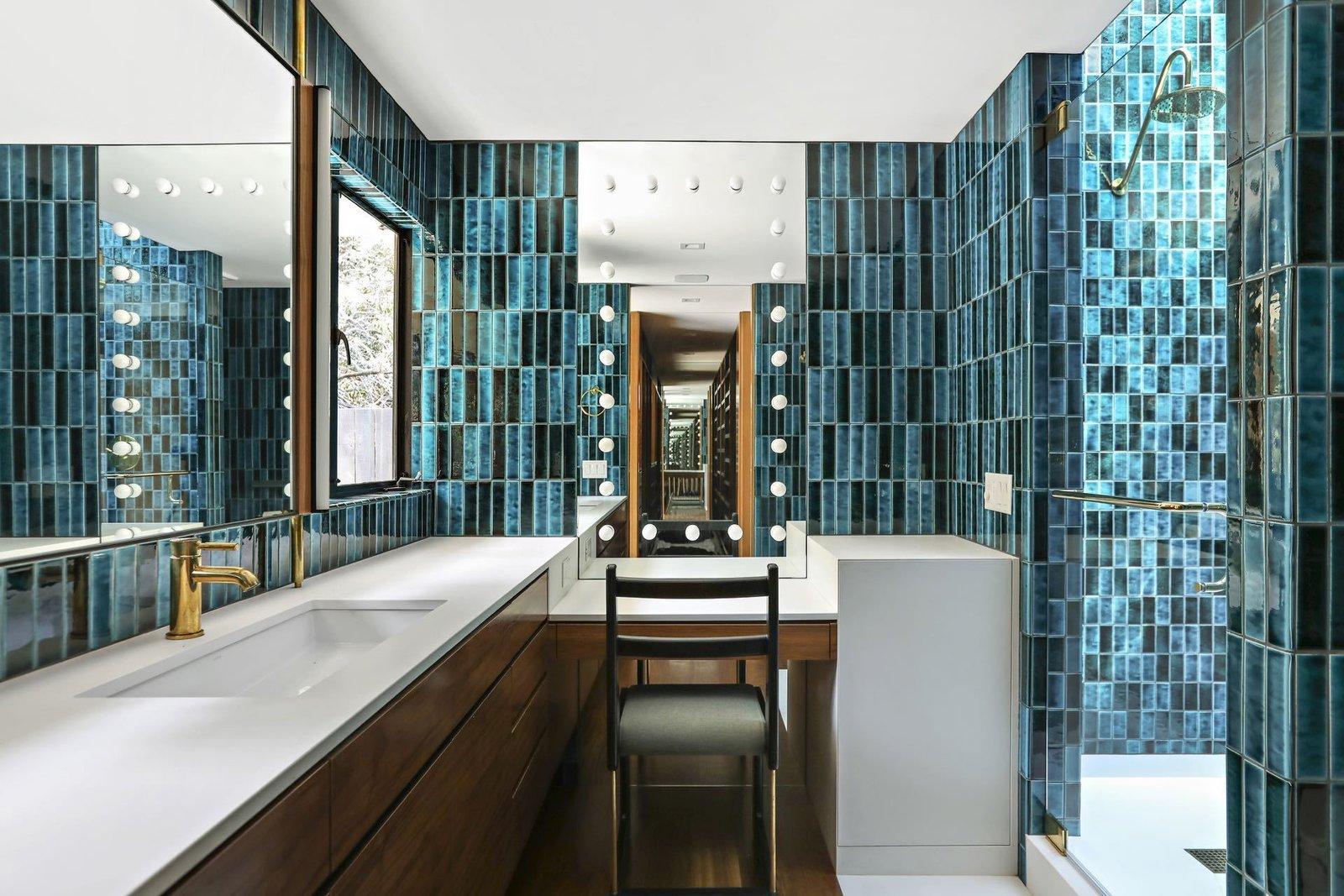 2173 Redcliff midcentury home master bath