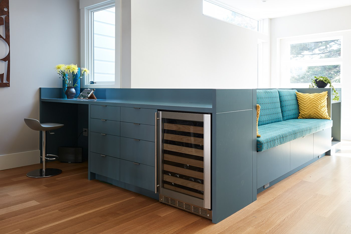 Megacabinet House desk and sofa with built-in storage