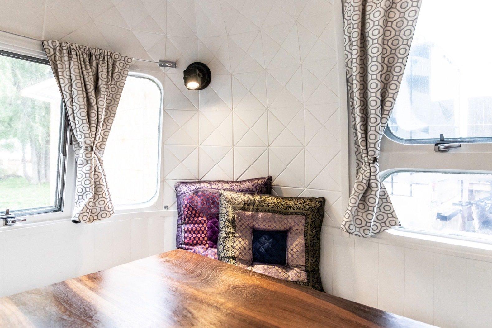 Peanut Airstream Land Yacht dining area