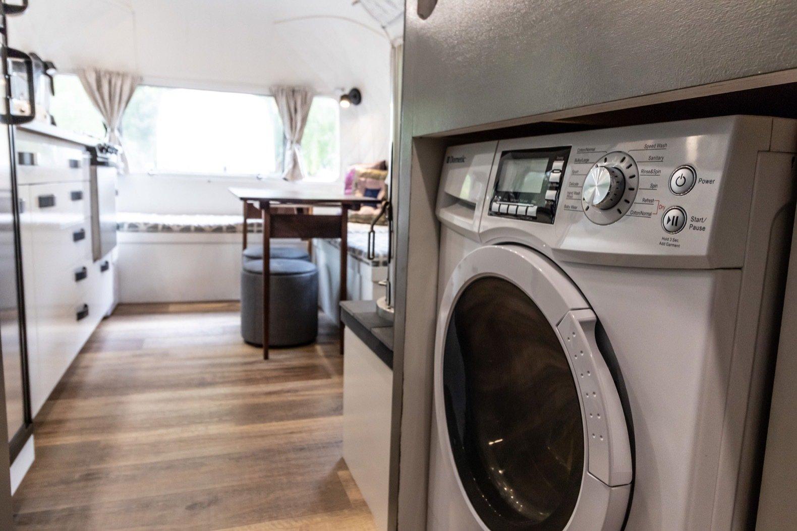 Peanut Airstream Land Yacht washing machine