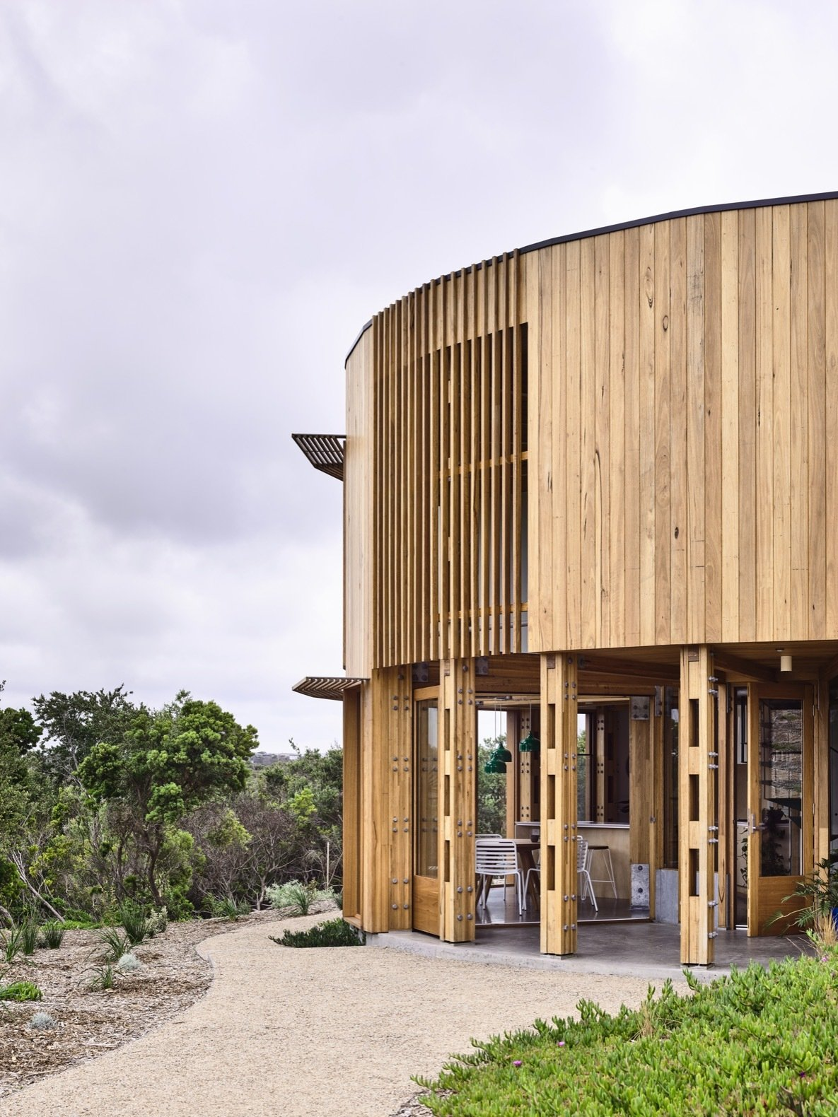 A Circular Beach House in Australia Embraces Coastal Living