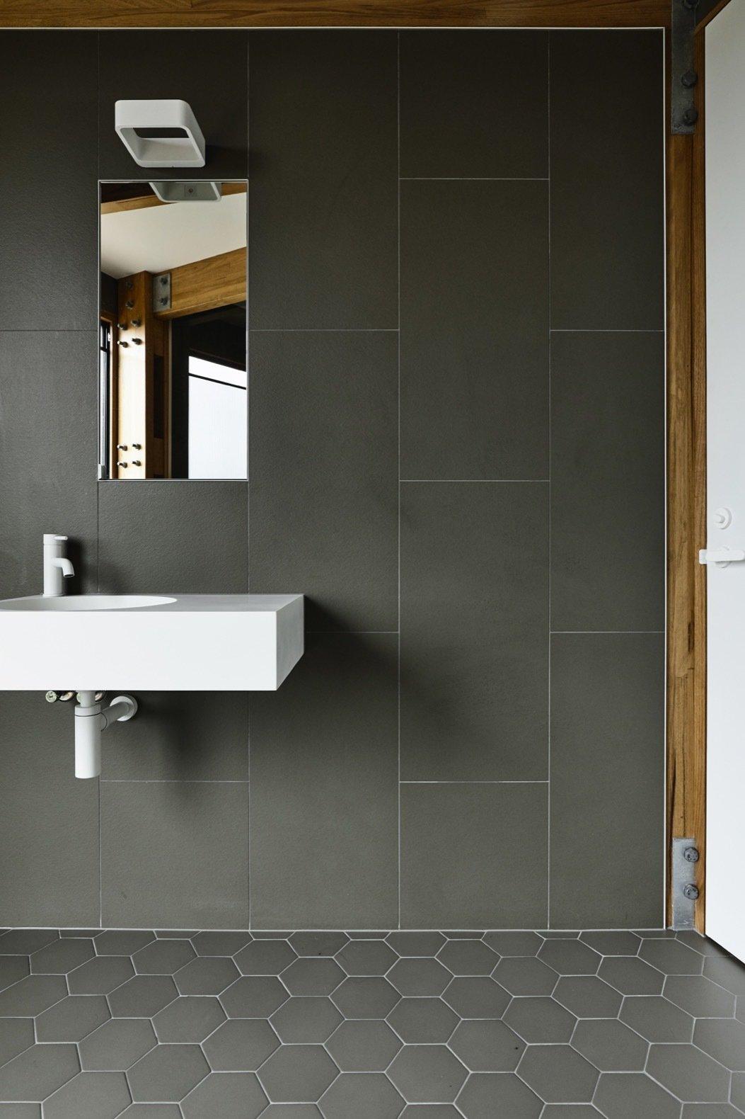 St Andrews Beach House porcelain bathroom tiles
