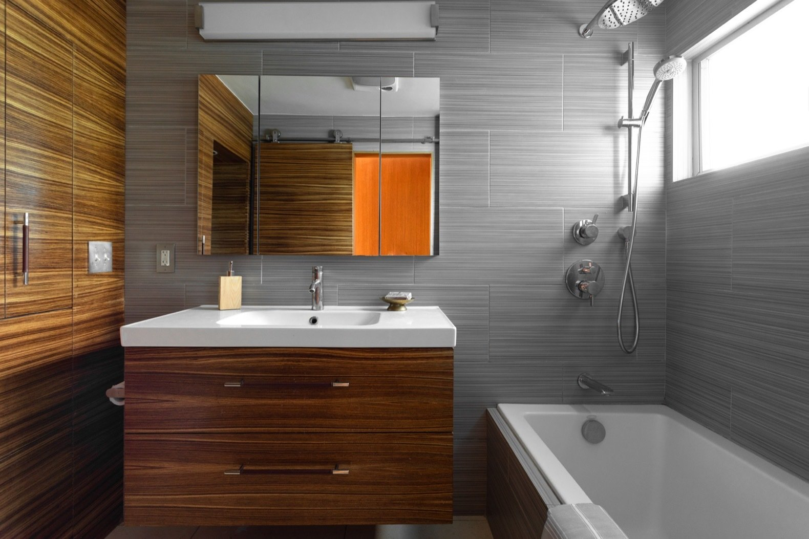 John Kewell midcentury home bathroom