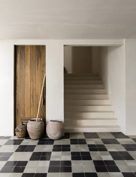 Best 35 Modern Hallway Ceramic Tile Floors Design Photos And Ideas