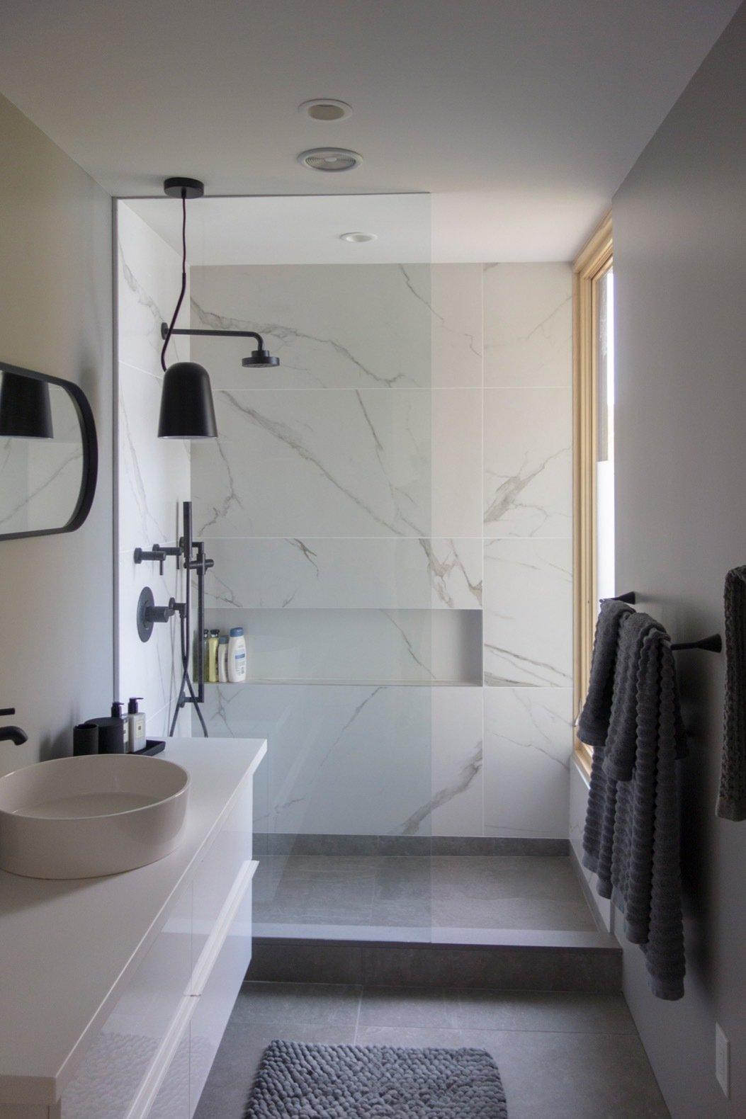 Candlewood Lake House bathroom