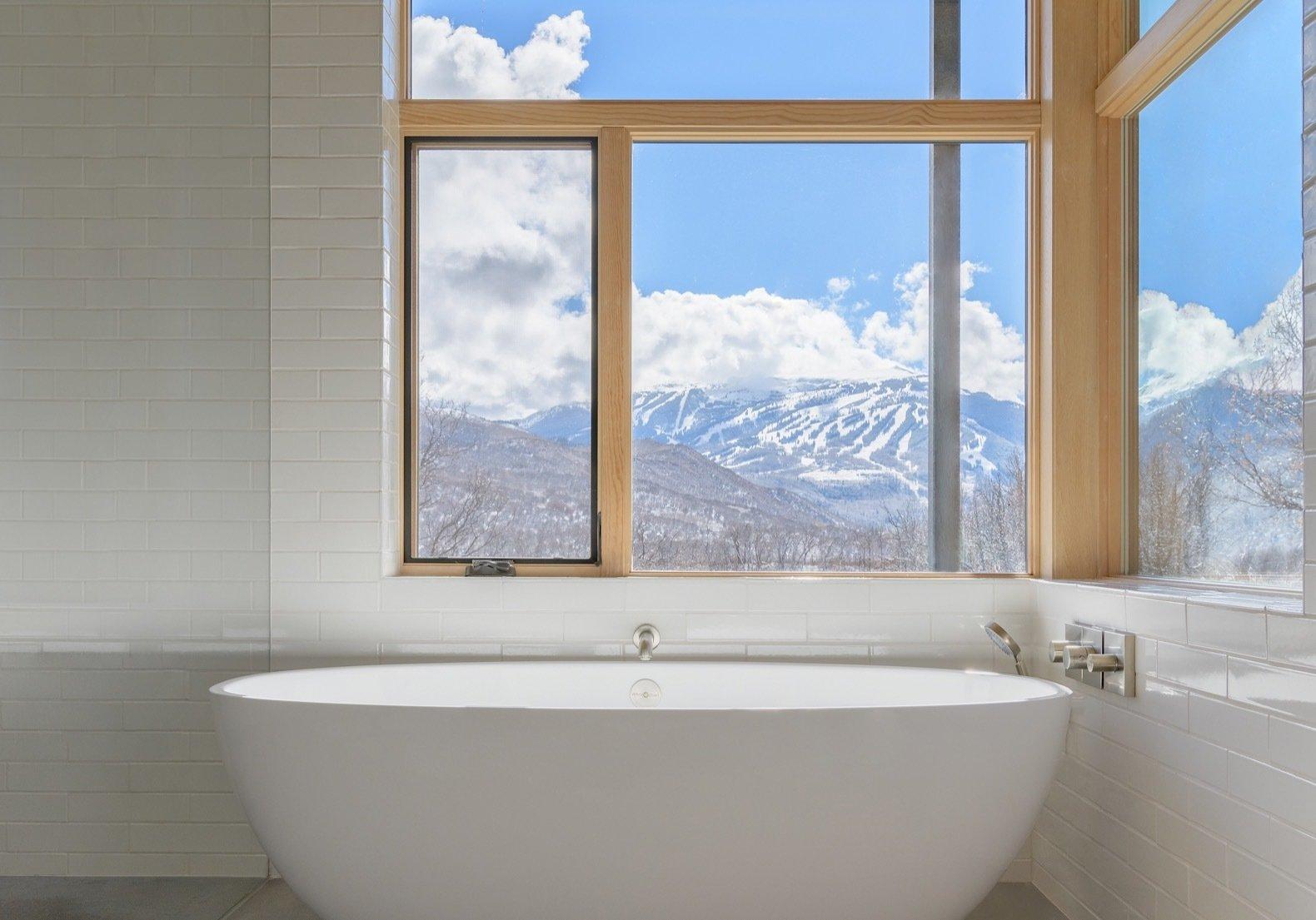 Gammel Dam bathtub