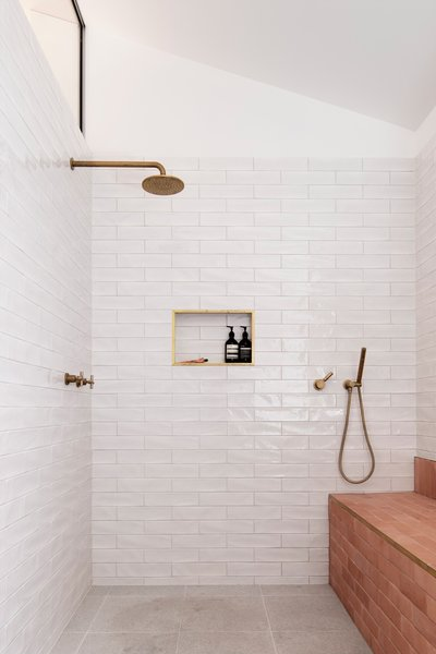 Photo 31 Of 152 In Best Bath Photos From Reclaimed Brick