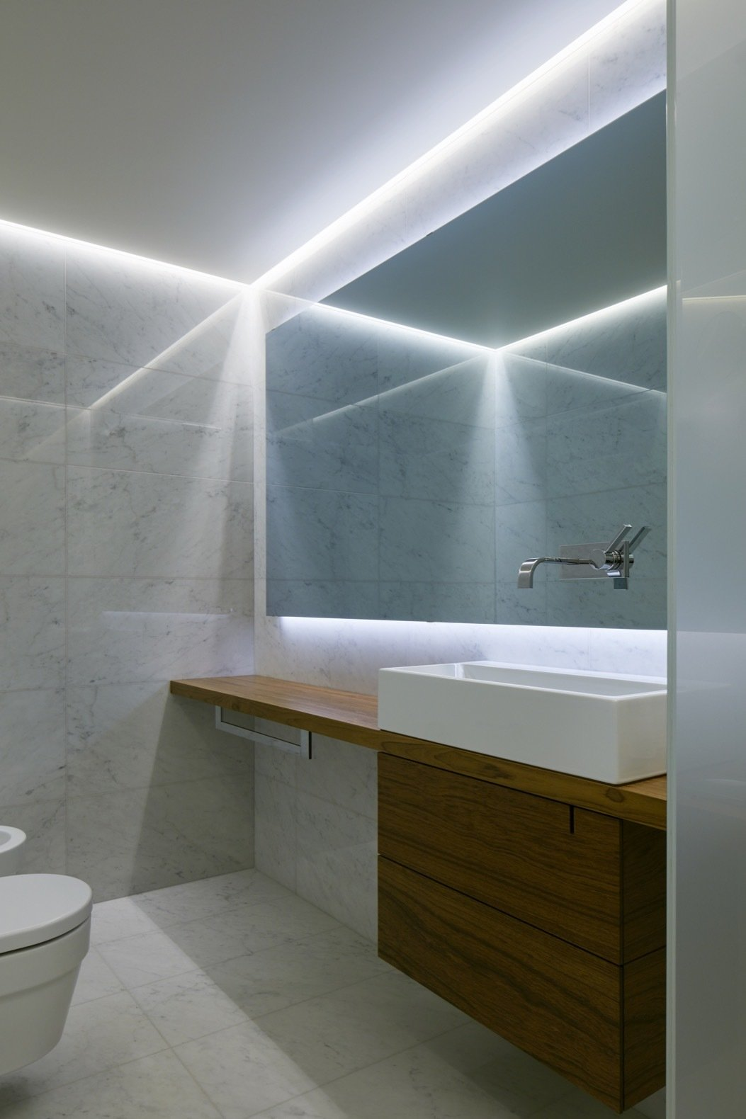 Quebec Pool House bathroom