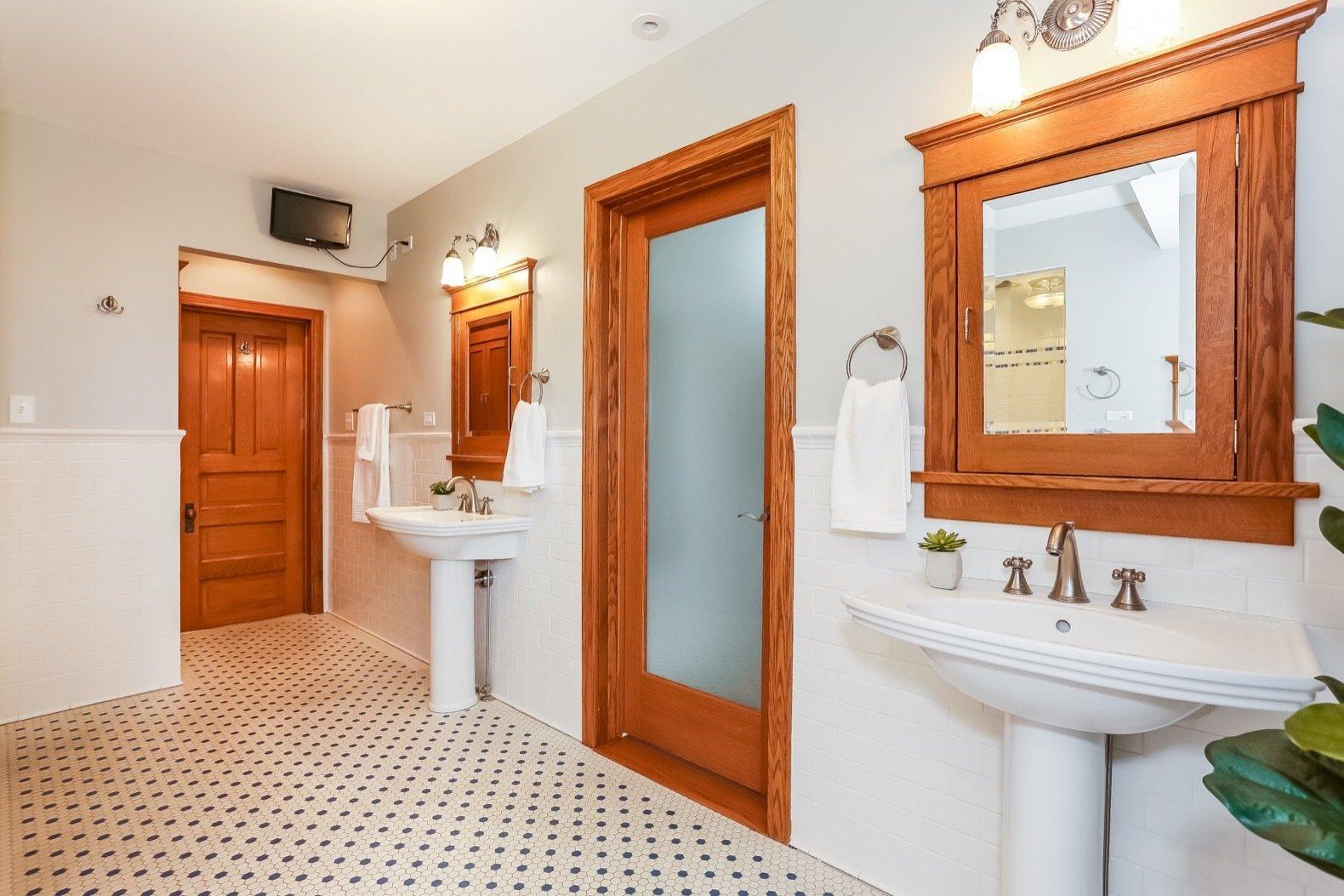 W. Irving Clark House master bath
