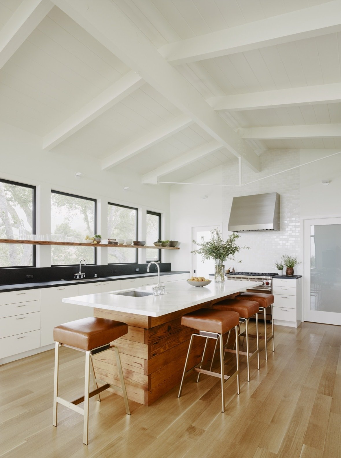 Portola Valley House kitchen