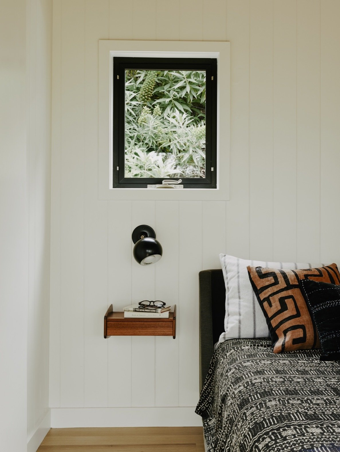 Portola Valley House guesthouse bedroom