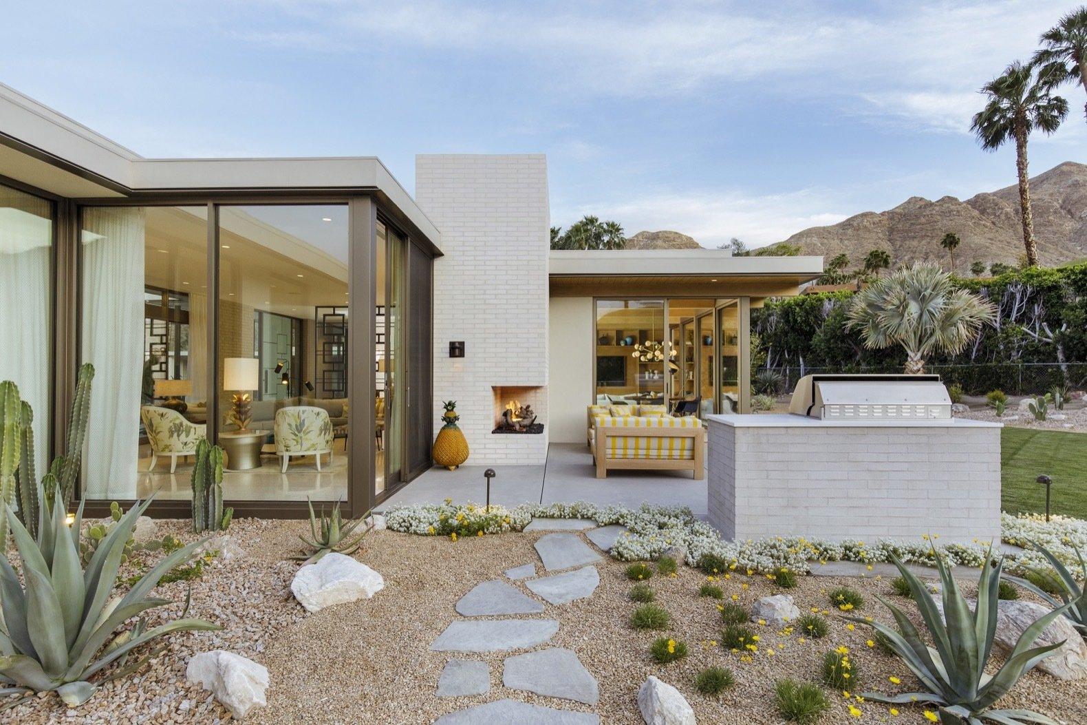 Thunderbird Heights house patio
