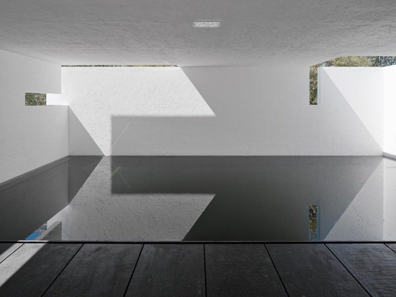 Rombo IV covered swimming pool