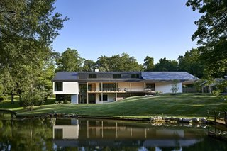A Nearby Stream Helps Sculpt This Spectacular Missouri Home