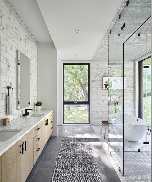 Best 60 Modern Bathroom Enclosed Showers Recessed Lighting Design