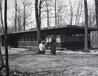 An image of the Booth Cottage in the early 1900s.